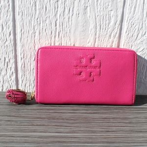 Tory Burch Thea Zip Continental Wallet Fuchsia